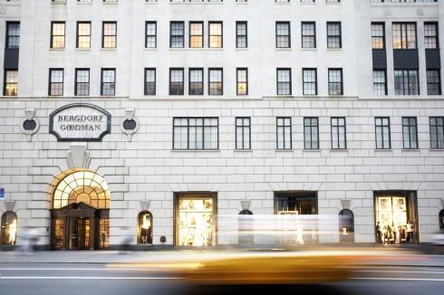Trung tâm mua sắm cao cấp Bergdorf Goodman nằm trên đại lộ Fifth Avenue là nơi cung cấp dịch vụ Personal Shopper lâu đời tại New York City