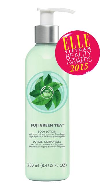 <strong>5. THE BODY SHOP FUJI GREEN TEA™  BODY LOTION</strong><br><br> Dưỡng ẩm cho làn da của bạn với  sữa dưỡng thể trà xanh Nhật Bản  Fuji Green Tea™ Body Lotion đầy  tinh tế và hương thơm dịu nhẹ. Sản  phẩm có thành phần chính là trà  xanh được hái bằng tay từ núi Phú  Sĩ, Nhật Bản giúp chống ôxy hóa,  mang lại lại làn da tươi khỏe và luôn  đủ độ ẩm. Giá: 499.000 VNĐ/250ml.
