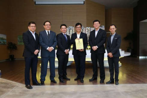 Các thành viên trong buổi ra mắt dự án nhà ở tốt nhất Việt Nam