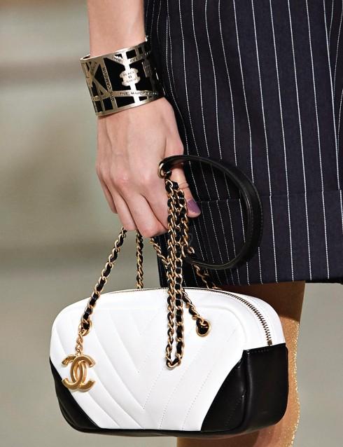 Vòng tay và túi xách trong BST Xuân - Hè 2015 của Chanel