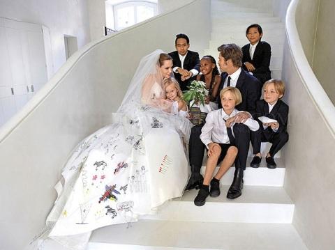 Anh vô cùng hãnh diện khi các con đều góp sức vào lễ cưới của mình.