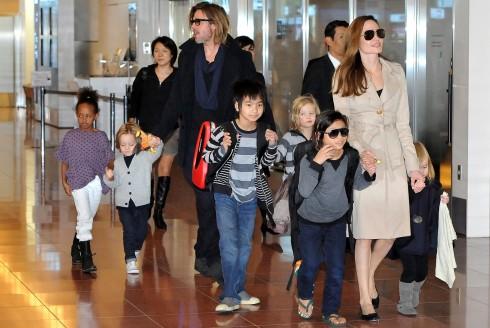 6 em bé đa chủng tộc là mối quan tâm chung của cặp đôi
