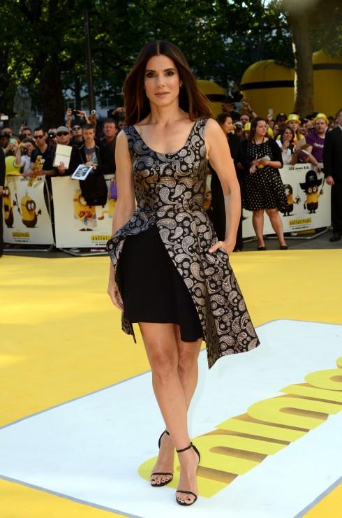 Sandra Bullock thanh lịc trong trang phục của nhà thiết kế Stella McCartney