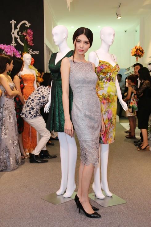 Các người mẫu biểu diễn BST của NTK Châu Phạm trong buổi ra mắt thời trang KATE by Châu Phạm (16)
