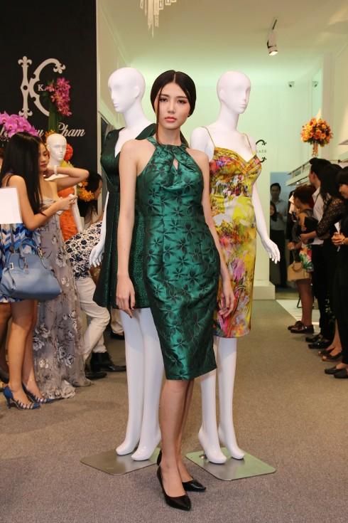 Các người mẫu biểu diễn BST của NTK Châu Phạm trong buổi ra mắt thời trang KATE by Châu Phạm (7)