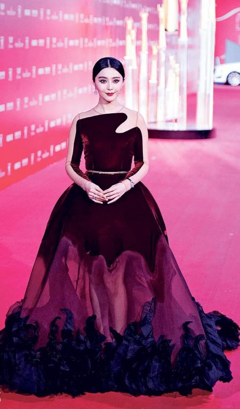 Đầm Stephane Rolland tại LHP Thượng Hải 18
