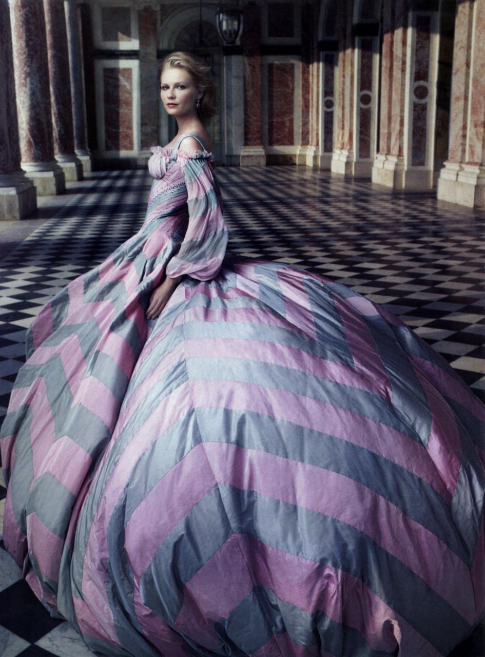 Màu cổ tích trong những tác phẩm của nhiếp ảnh gia Annie Leibovitz