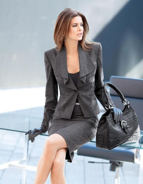 thoi-trang-cong-so-dep-sexy-skirt-suit