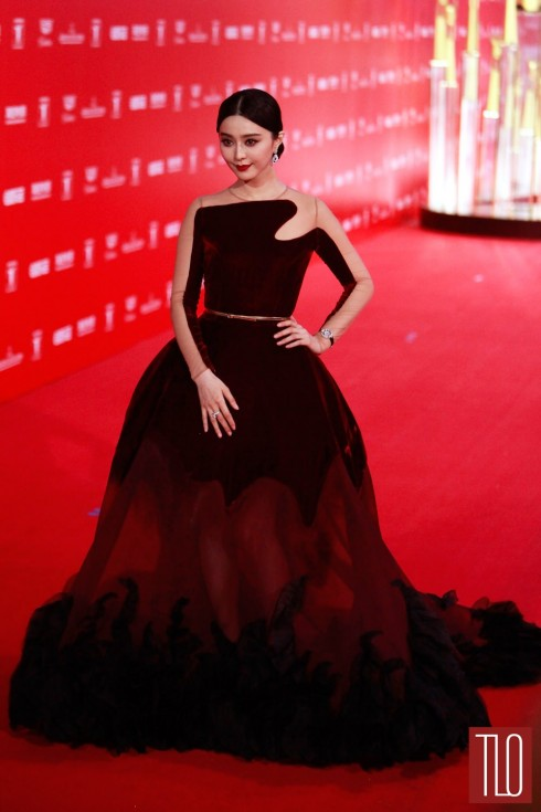 Phạm Băng Băng nổi bật trên thảm đỏ trong chiếc đầm của Stephane Rolland Couture
