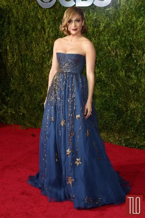 Jennifer Lopez trong chiếc đầm dạ hội đẹp lộng lẫy của Valentino Couture