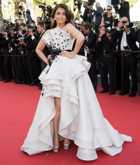 Nữ minh tinh Aishwarya Rai trong chiếc váy dạ hội của Ralph & Russo Couture