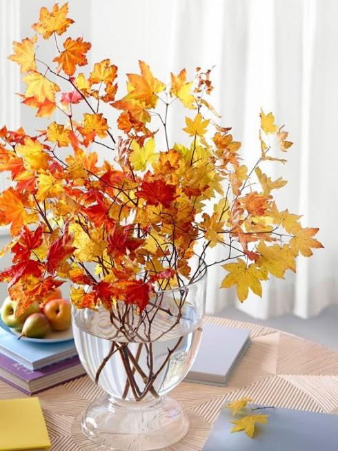 Mang không khí mùa thu vào nhà với những cành cây khô, lá khô đẹp mắt