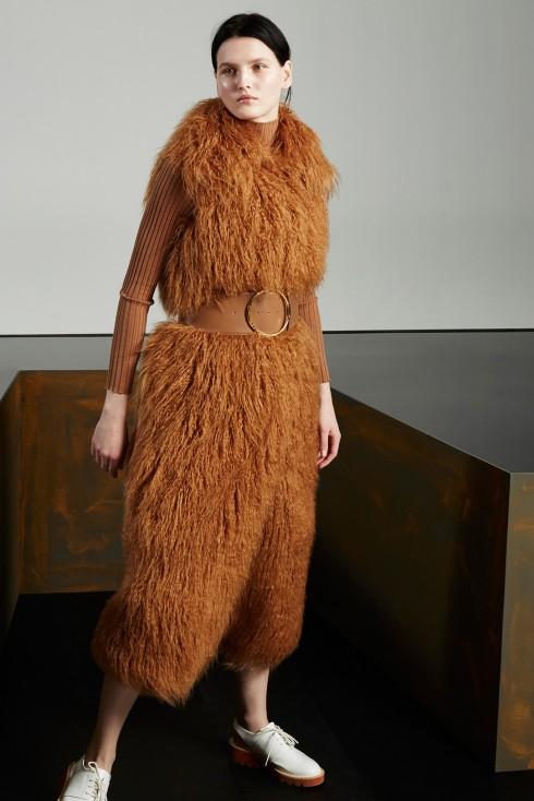 Xu hướng thời trang áo lông cừu ở Stella McCartney