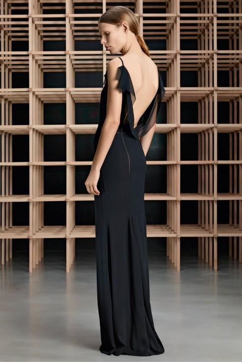 Xu hướng thời trang đầm tiệc đen Boss Hugo Boss