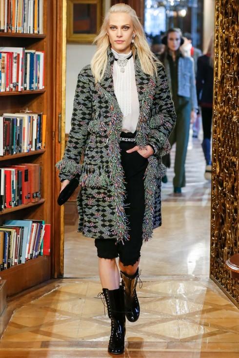 xu hướng thời trang vải tweet Chanel
