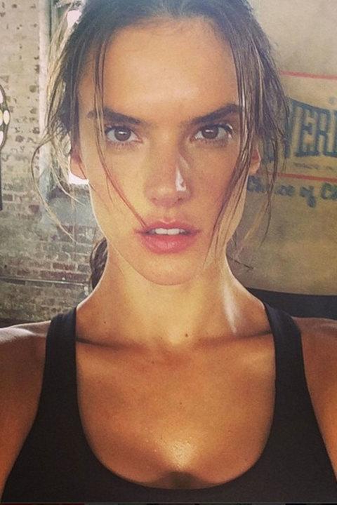 Alessandra Ambrossio sau buổi tập luyện