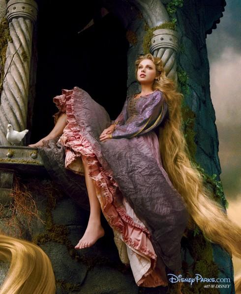 """Taylor Swift hoá thân thành công chúa Rapunzel tỏng bộ phim hoạt hình nổi tiếng """"Tangled"""" của hãng Disney"""