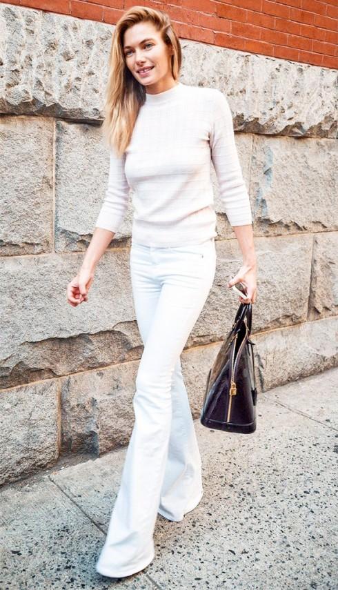 mặc quần jeans nữ trắng đẹp như Jessica hart