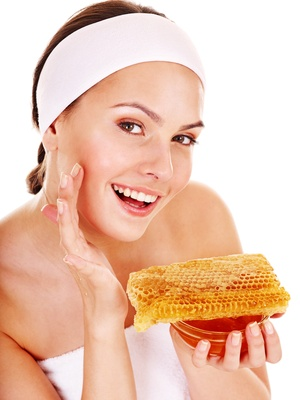 facial masks of honey.