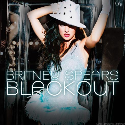 Năm 2007: ra mắt album Blackout