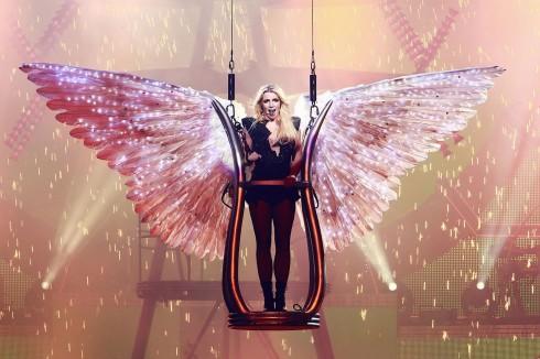 Năm 2011: Brit trong tour diễn Femme Fatale