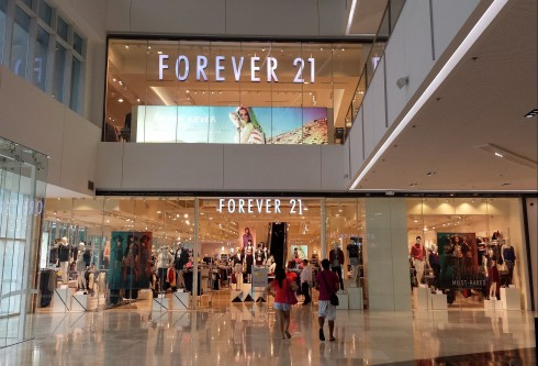 Forever-21-thuong-hieu-thoi-trang