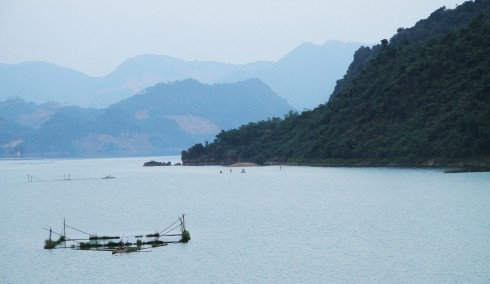 Hồ nước xanh biếc