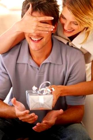 Đố bạn, đàn ông thích được tặng quà gì?
