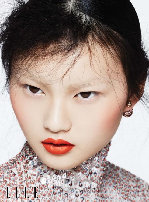 Công thức kinh điển của các mỹ nhân châu Á: môi đỏ, má hồng