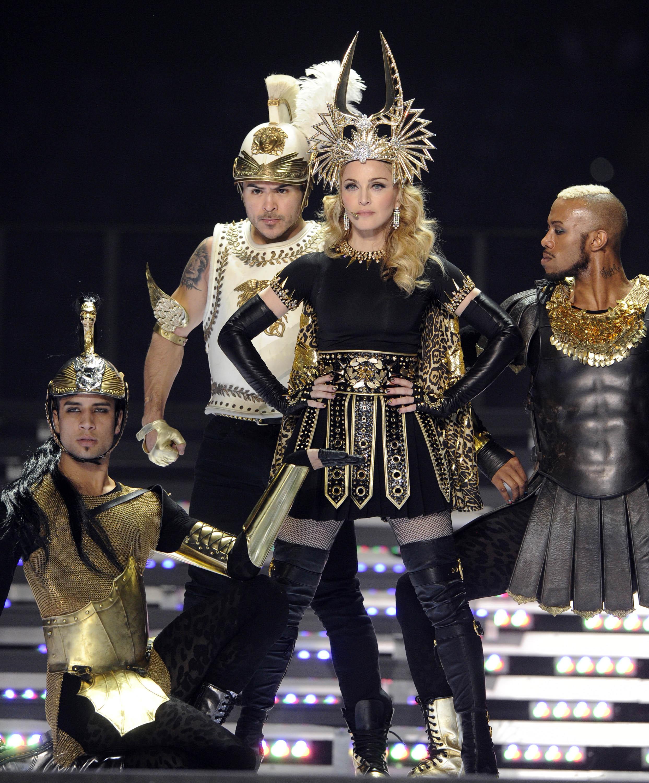 Trang phục trình diễn gợi cảm nhất của Madonna