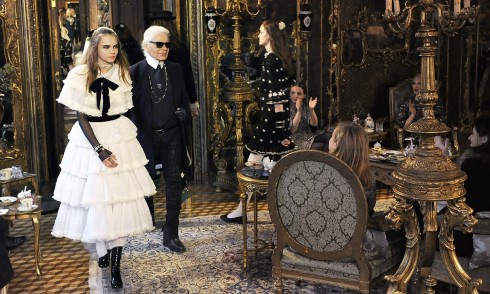 Cara Delevingne Chanel 6