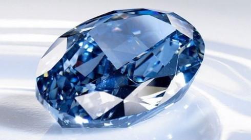 Dang cap cua Chopard Blue Diamond Ring