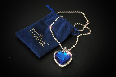 Dang cap cua Heart of the Ocean Necklace