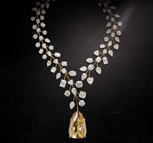 Dang cap cua LIncomparable Diamond Necklace
