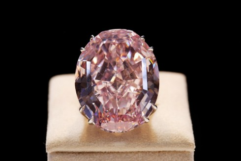 Dang cap cua Pink Star Diamond Ring
