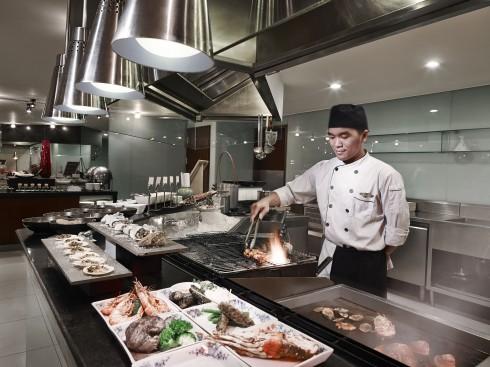 Sofitel Plaza Hanoi - Brasserie Westlake_BBQ Station