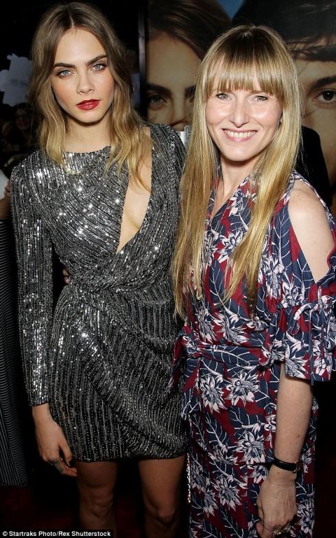 Cùng với Tổng biên tập Teen Vogue, Amy Astley