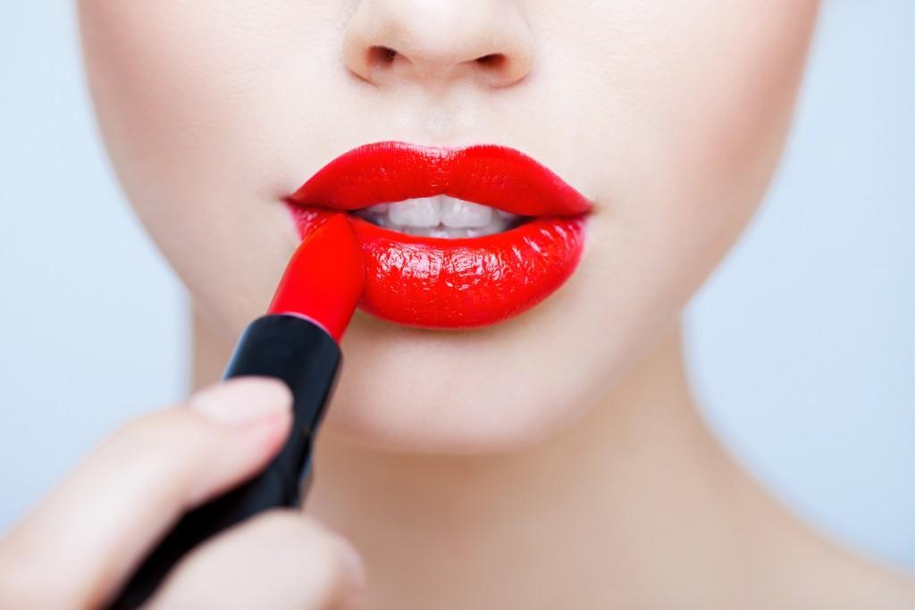 [365 Beauty Tips] 7 món mỹ phẩm làm đẹp cho cô nàng tuổi 25 ELLE VN