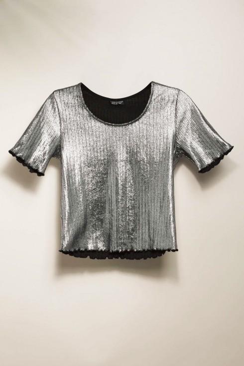 mac-dep-voi-xu-huong-metallic-Metallic-Frill-Tee-Topshop