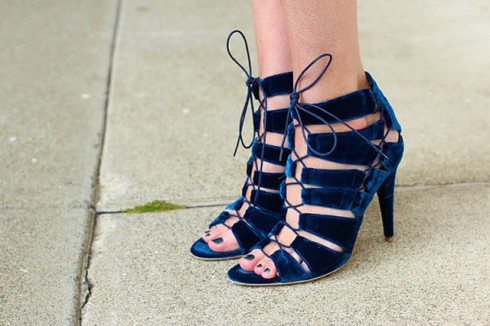 blue-velvet-Loeffler-Randall-heels-fashion-bloggers-wearing-velvet-streetstyle-nyc-nolita-