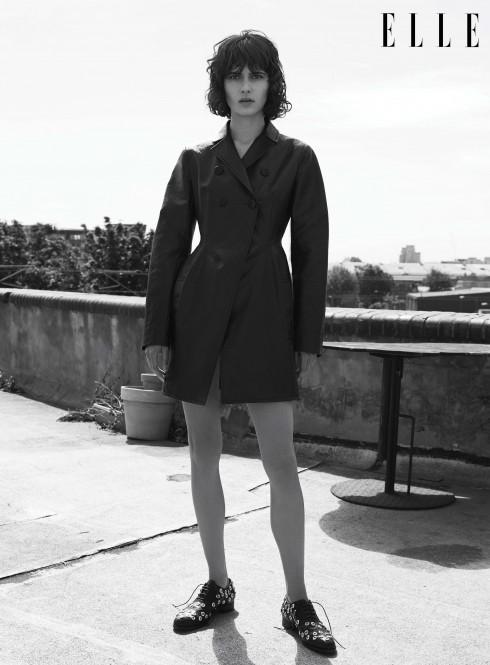Áo khoác pea coat Dior, Giày Emanuel Ungaro