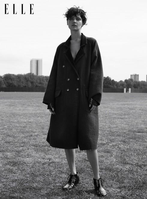 Áo khoác 2 mặt oversized chất liệu len MM6, Bốt ren da bê bóng Chanel