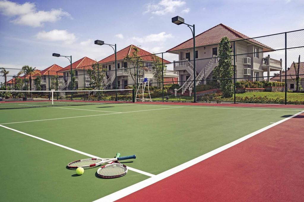 Một sân golf hiện đại phục vụ những vị khách muốn thử sức với môn thể thao thú vị