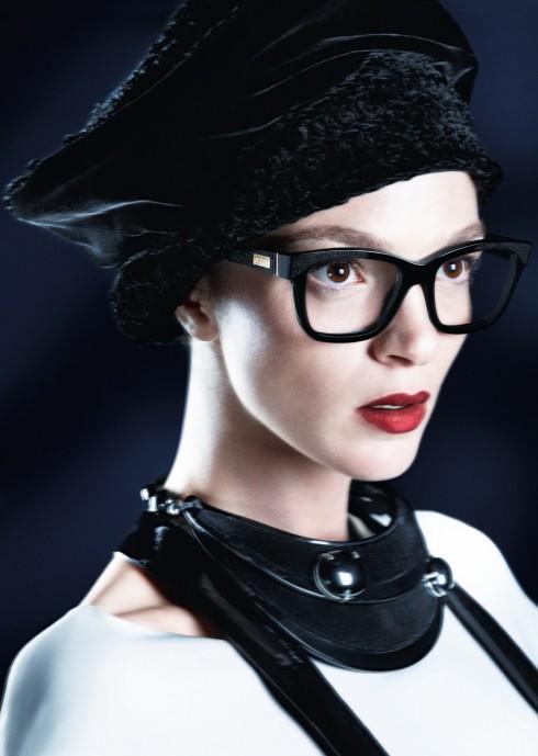Mariacarla Boscono, nàng thơ của nhà thiết kế thời trang Ricardo Tisci