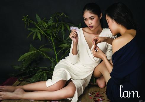 Wrapping Dress - Điểm nhấn trong bộ sưu tập Chiếu Hoa Tứ Sắc