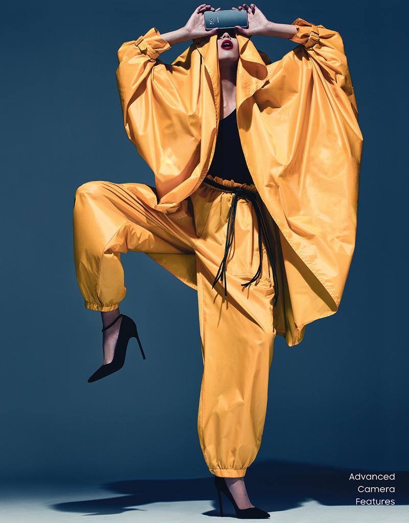 Xiao Wen Ju làm người mẫu quảng cáo cho Samsung