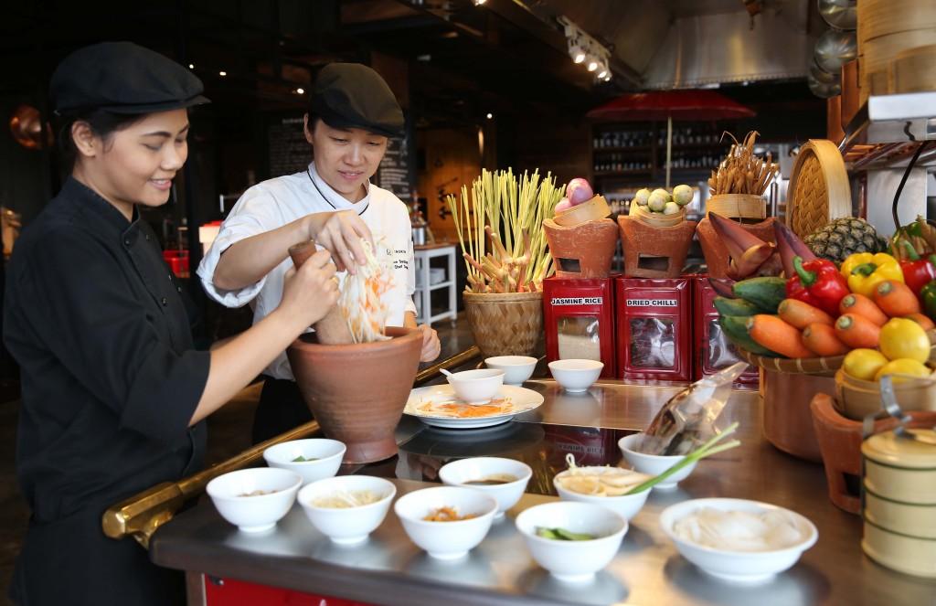 Thực khách tại Hà Nội sẽ có cơ hội thưởng thức ẩm thực Thái Lan do hai đầu bếp đến từ Thái trực tiếp đảm nhận từ 1 - 8/9/2015