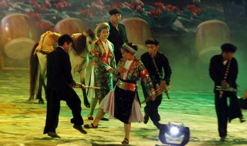 Phiên chợ vùng cao sẽ được tái hiện tại sân vườn khách sạn Metropole Hà Nội từ 1 - 8/9/2015