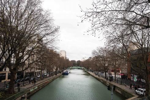 Canal Saint Martin là nơi tuyệt vời để đi dạo vào ngày cuối tuần khi thời tiết đẹp