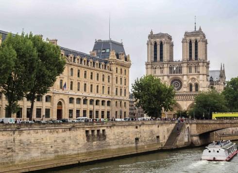 Một góc Paris với những tòa nhà kiến trúc đẹp mắt